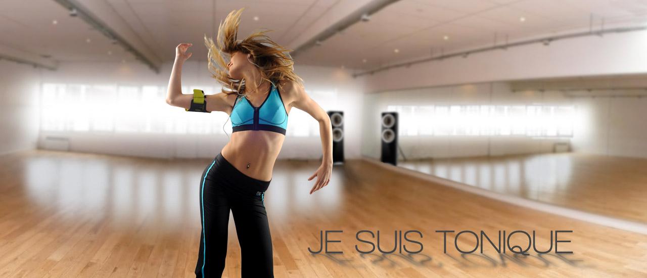 Danseuse de Zumba en brassière zip et PANTALON de sport FITme -Modèles présentés Brassière zip Turquoise et Pantalon noir/filet turquoise